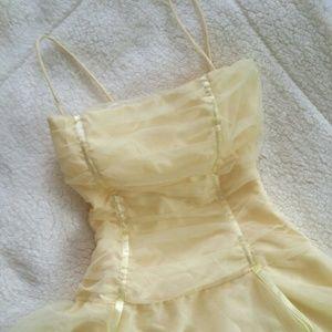 Beautiful Pastel Yellow Prom Dress